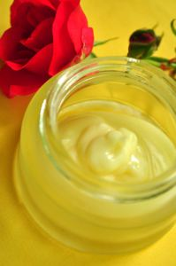 light-face-rose-cream
